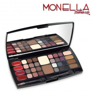 Monella make-up trousse ready to go